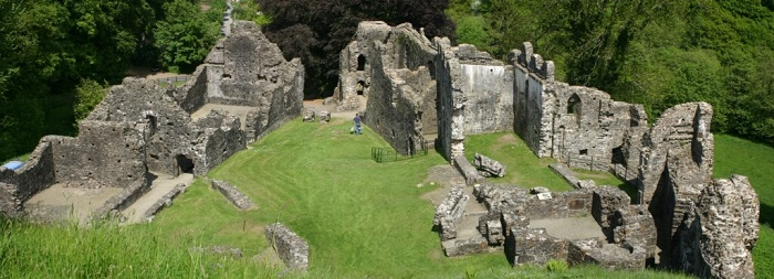haunted devon okehampton castle site