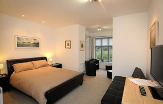 Broomhill Art Hotel & Sculpture Gardens bedroom