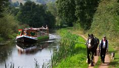 tiverton canal horse drawn barge