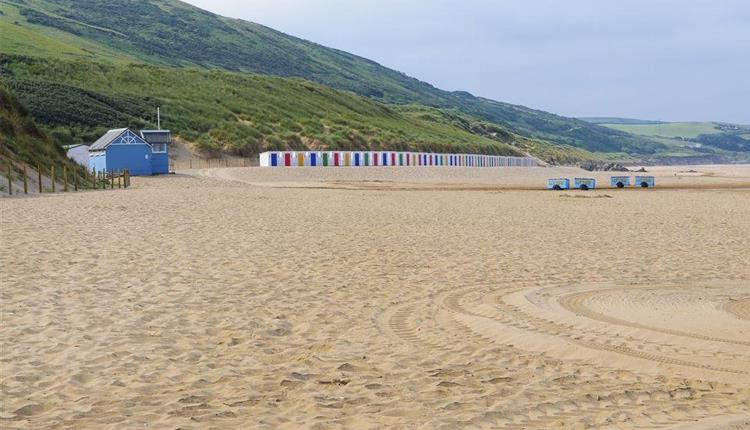 woolacombe beach and beach huts