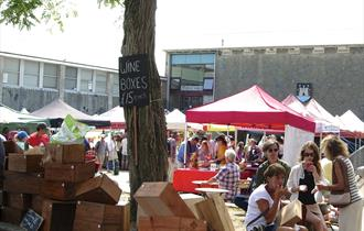 Totnes Good Food Sunday Market