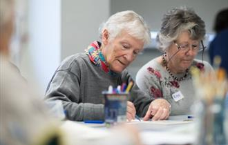 Dementia-friendly art-making in the museum
